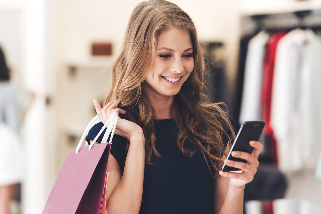 Cómo la inteligencia artificial mejora la atención en el sector retail easy resize.com