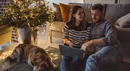 Use predictive engagement to cash in on online holiday shoppers   retail page image